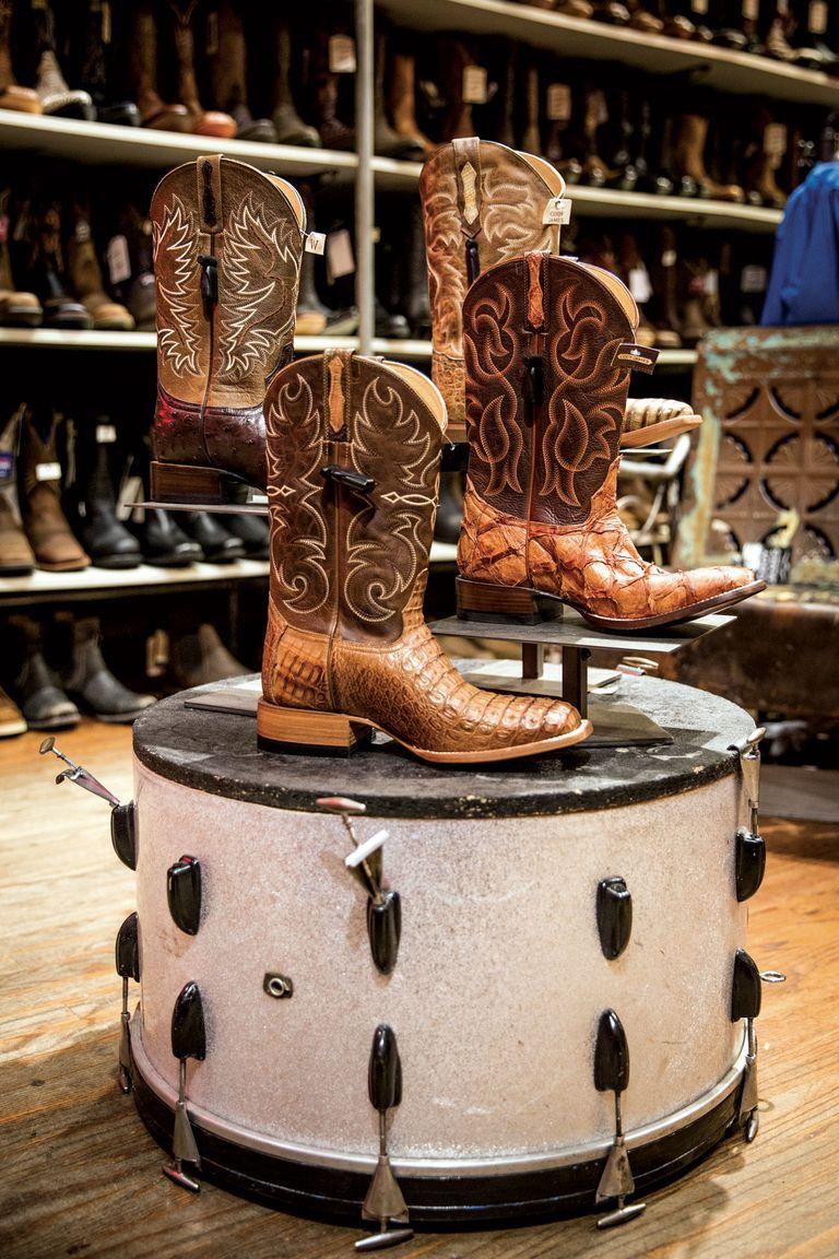 A lo largo de la calle Broadway hay varios locales destinados a la venta de las clásicas botas de cowboy