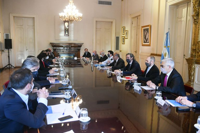 Manzur encabezó el primer encuentro de Gabinete de su gestión