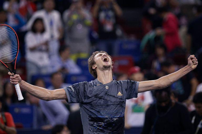 Zverev y un festejo con fuerza: le ganó a Federer un partidazo.