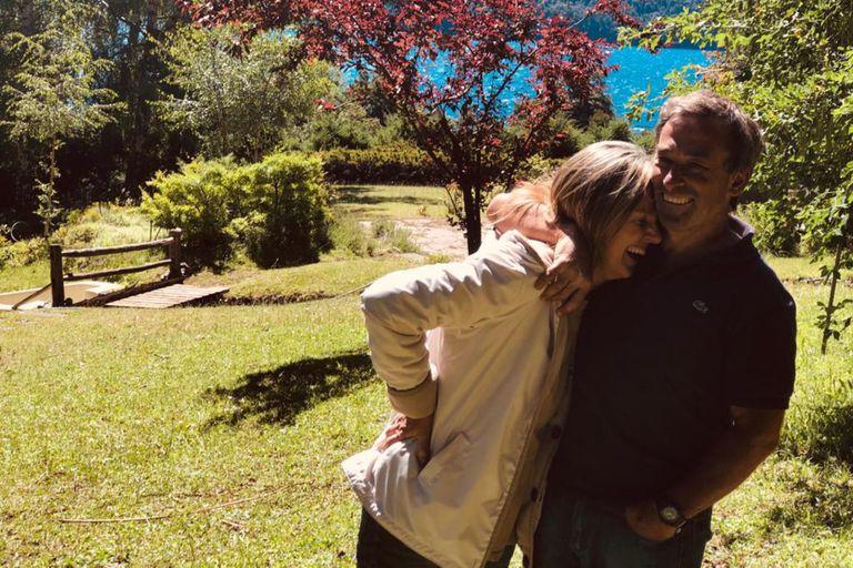 Diego Frutos tiene una cabaña pequeña en Villa Mascardi, Río Negro. A raíz de las tomas de terrenos, sufrió varios hecho de inseguridd y hasta le quemaron la casa