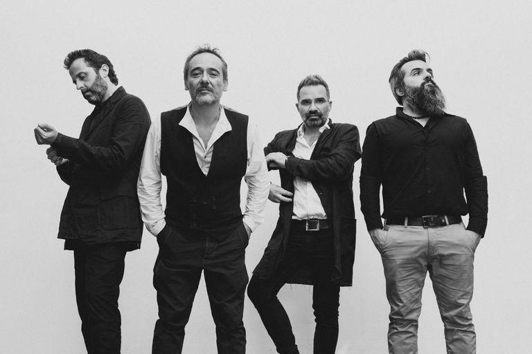 Love of Lesbian, la banda española que encabezó el primer concierto masivo