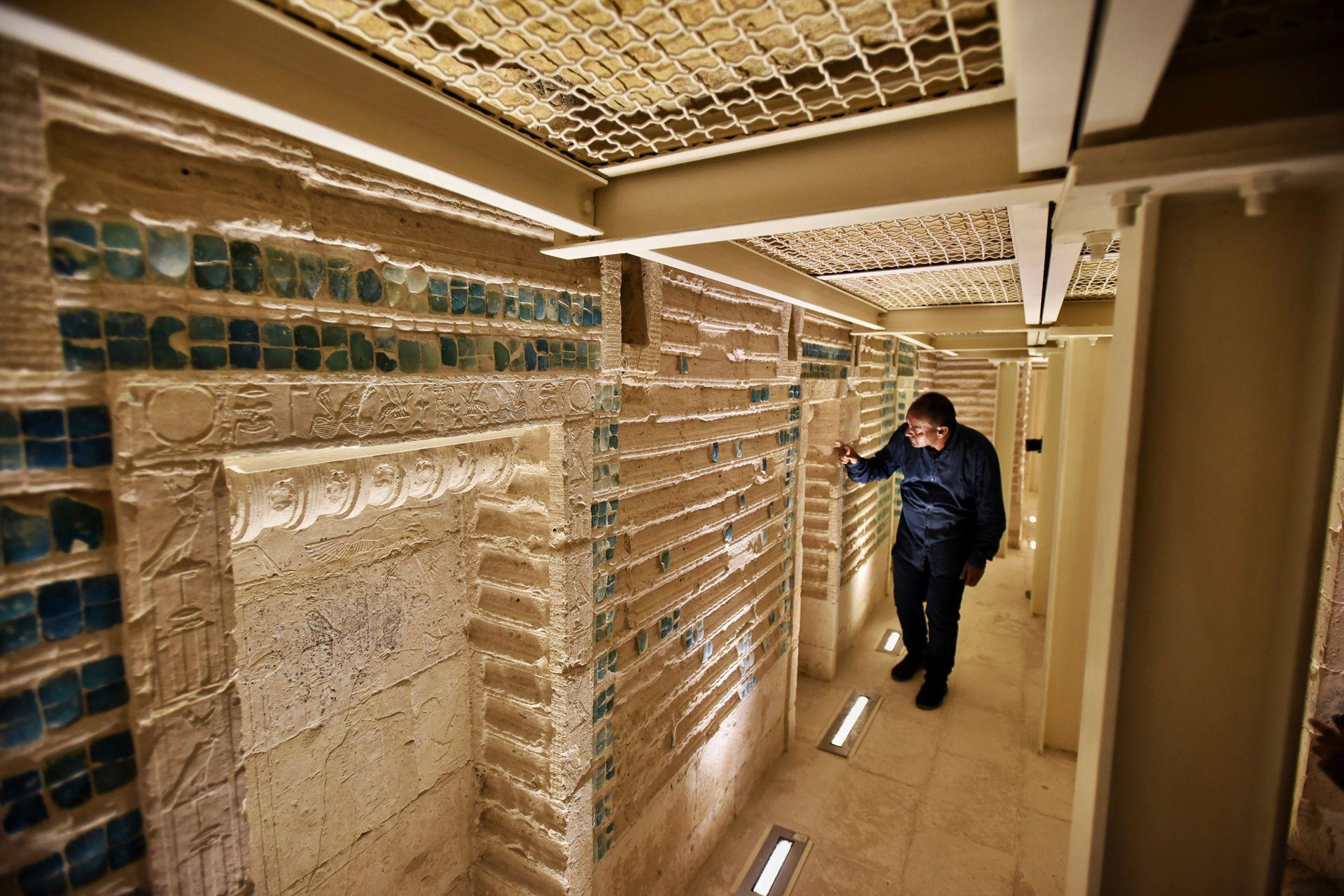 Después de décadas de abandono y riesgo de colapso, en 2006 el gobierno egipcio comenzó un ambicioso proyecto para restaurarla y devolverle su esplendor.