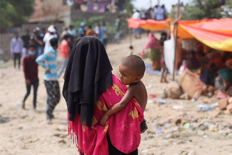 Campamento de refugiados rohingyas en Nueva Delhi, India
