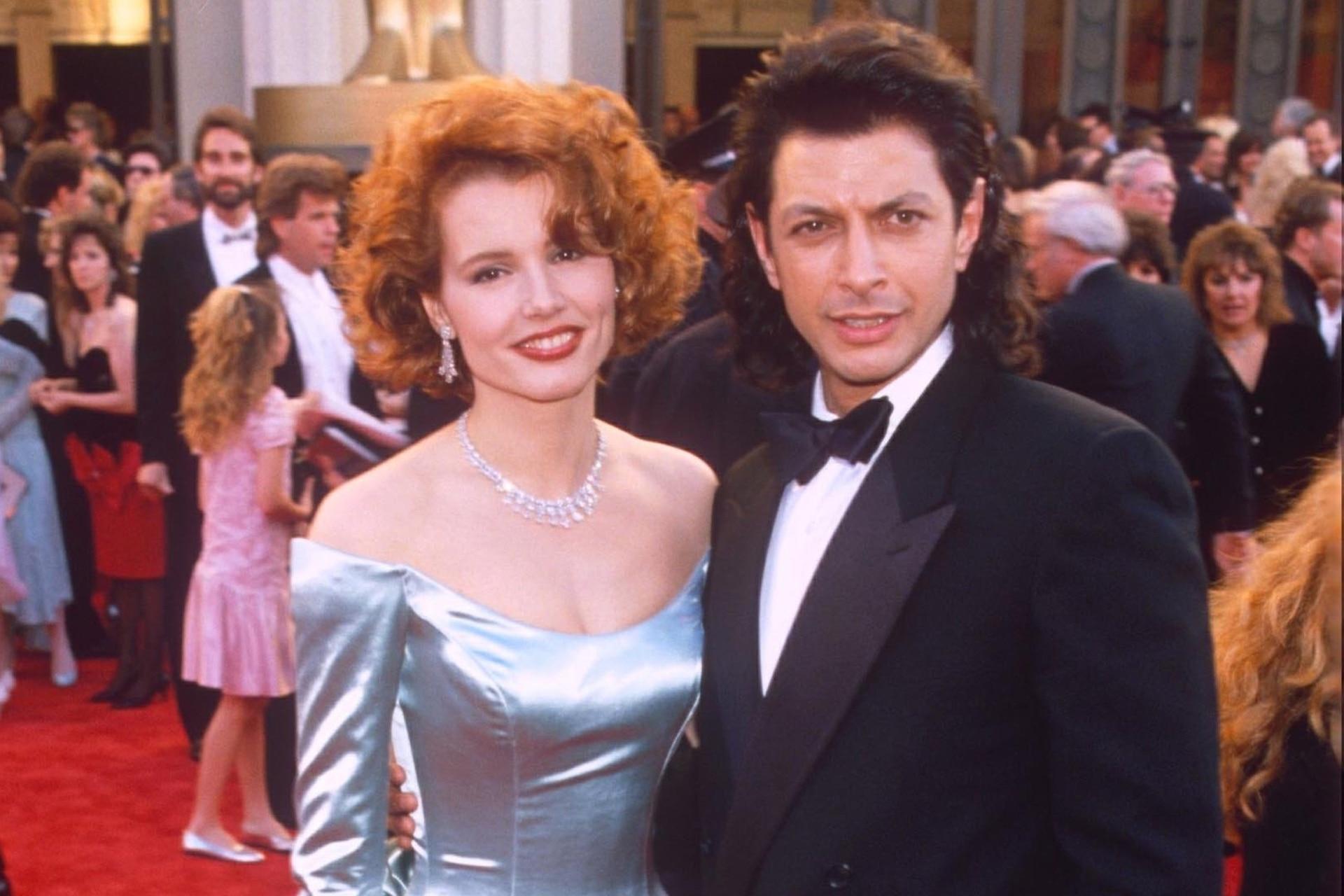 Geena Davis y Jeff Goldblum, en la alfombra roja de los Oscar, en 1989