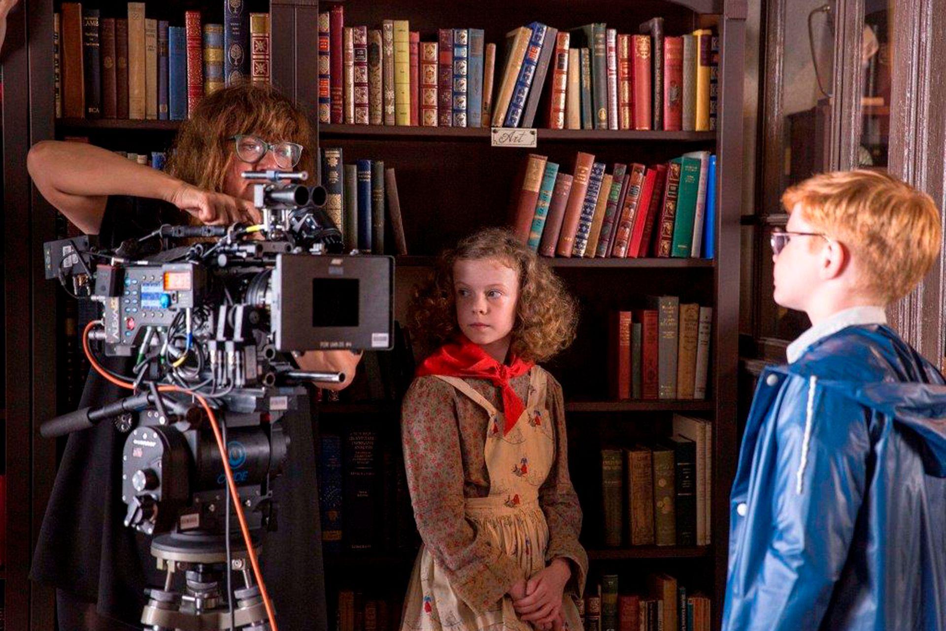 """Isabel Coixet, detrás de la cámara de su película """"La Librería"""""""