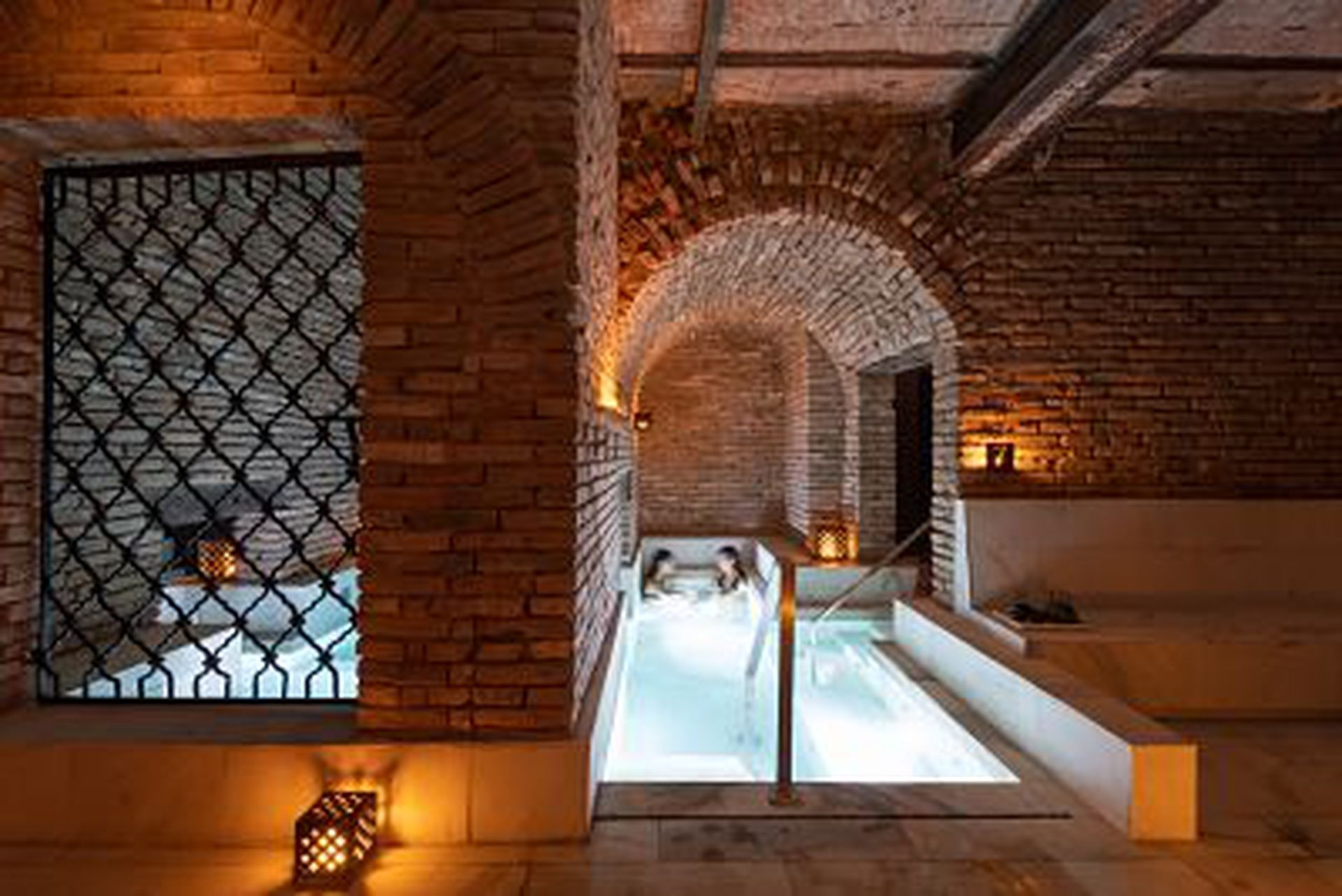 Azur Real Hotel Boutique inauguró el primer circuito de baños