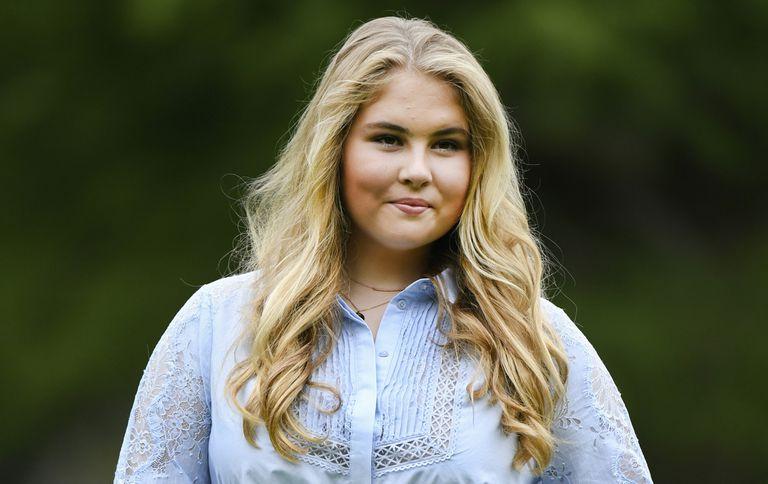 La princesa Amalia renunció a su dotación de 1,6 millones de euros al año
