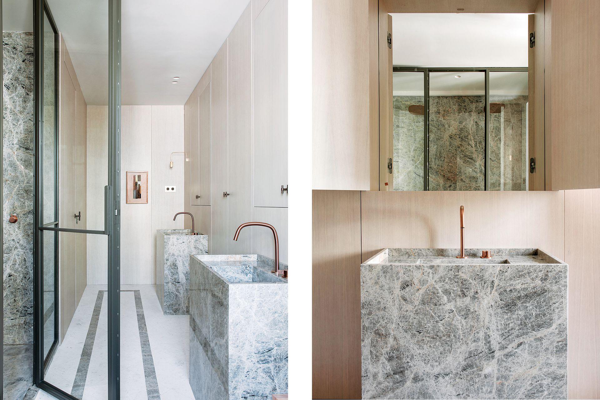 Este baño aprovecha cada centímetro a lo largo, con dos bachas dispuestas en la misma línea, con generoso espacio entre una y otra.