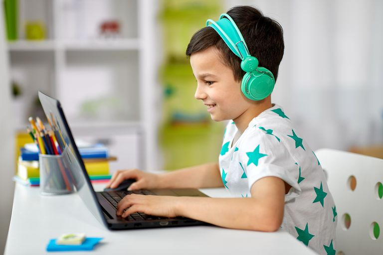 """Para chicos. Cultura """"maker"""": cómo hacer un videojuego, un fanzine o un podcast"""