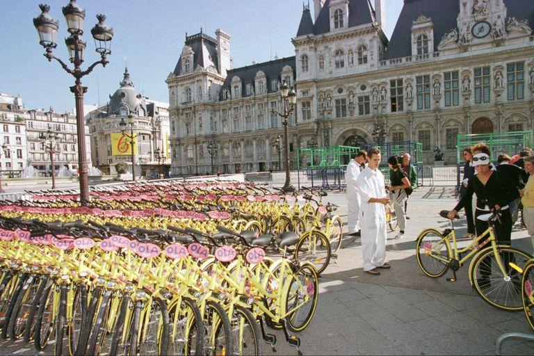 Francia ofrecerá hasta 1500 euros para cambiar el auto viejo por una bicicleta eléctrica