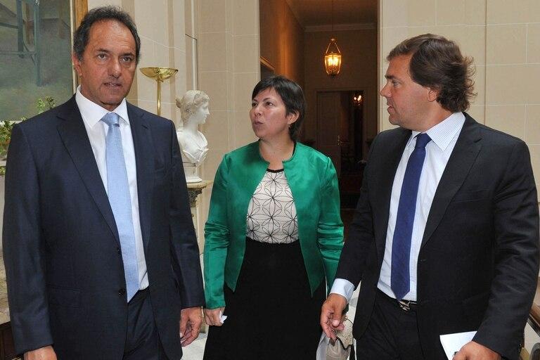 Batakis y Pérez asesoran a Scioli en temas políticos y económicos