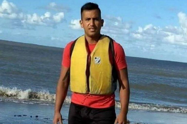 Cómo sobrevivió el kayakista tras estar dos días a la deriva en mar abierto