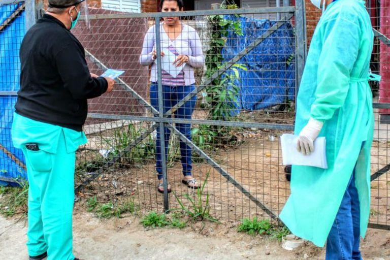 El cerco de metal que se montó como cordón sanitario en el barrio generó enojo en referentes de las comunidades