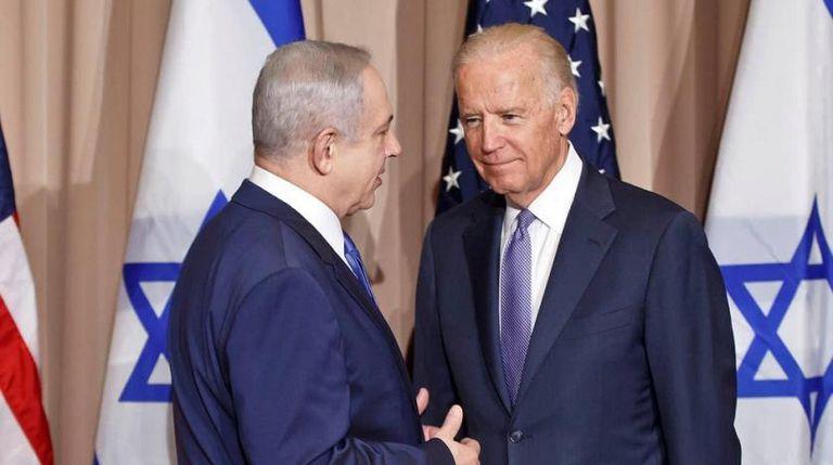 El primer ministro israelí, Benjamin Netanyahu, junto a Joe Biden durante un encuentro en 2016, cuando era vicepresidente de Barack Obama