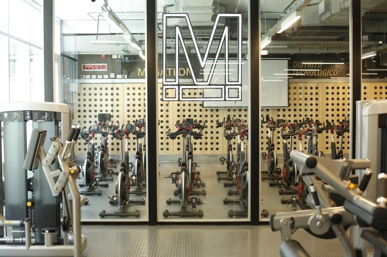 La sala de ciclismo es el hit de esta nueva sucursal.