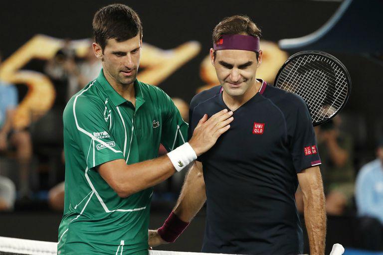 El divertido ida y vuelta entre Federer y Djokovic por un desafío en las redes