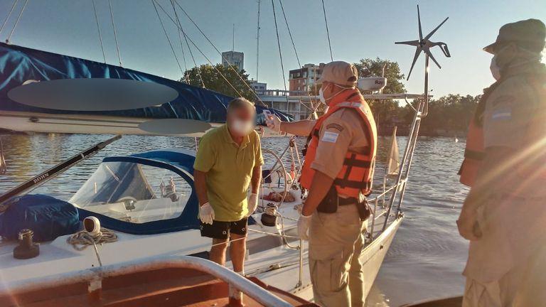 Detectan en el río un velero y un yate provenientes de Brasil y colocan en cuarentena a sus tripulantes