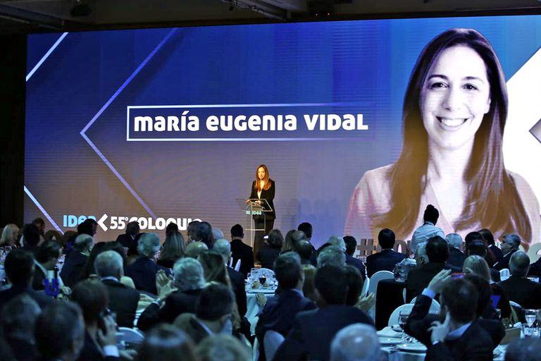 María Eugenia Vidal en el Coloquio de IDEA