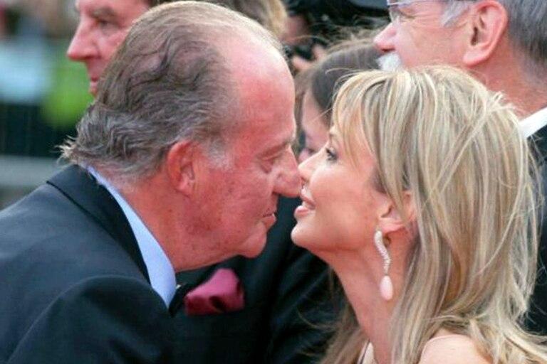 """El rey Juan Carlos I y Corinna Larsen, una relación que dio que hablar durante """"la fuga"""" del ahora exiliado exmonarca"""