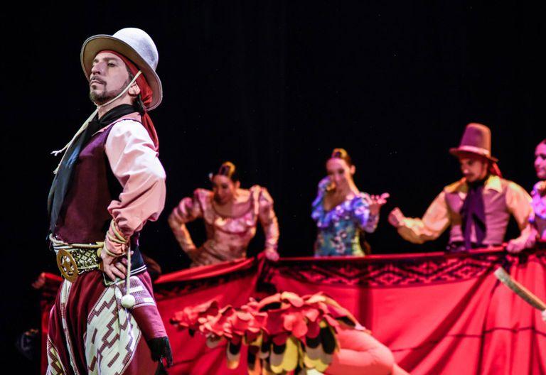 Fecha Patria y cumpleaños redondo del Ballet Folklórico Nacional