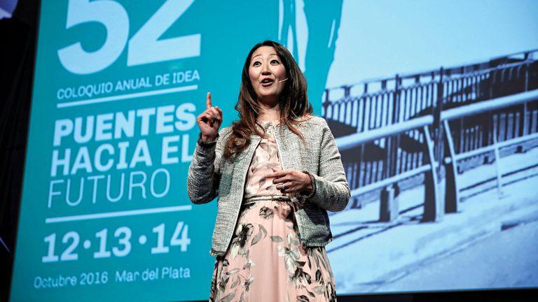En 2016, Rebeca dio una charla sobre temas de género durante el Coloquio de Idea, en Mar del Plata