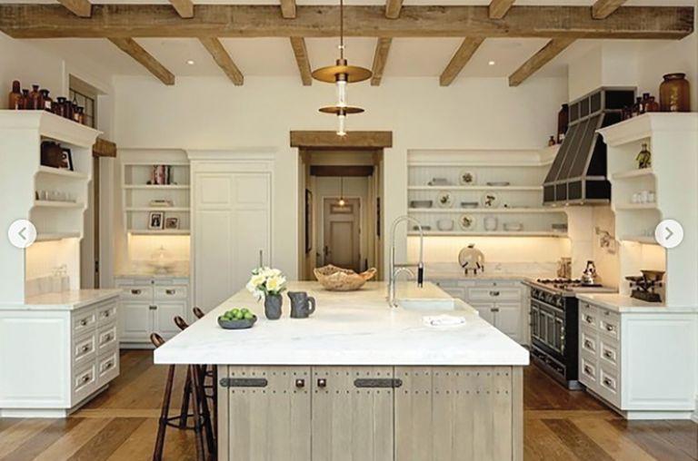En la cocina mandan el blanco, gris y marrón