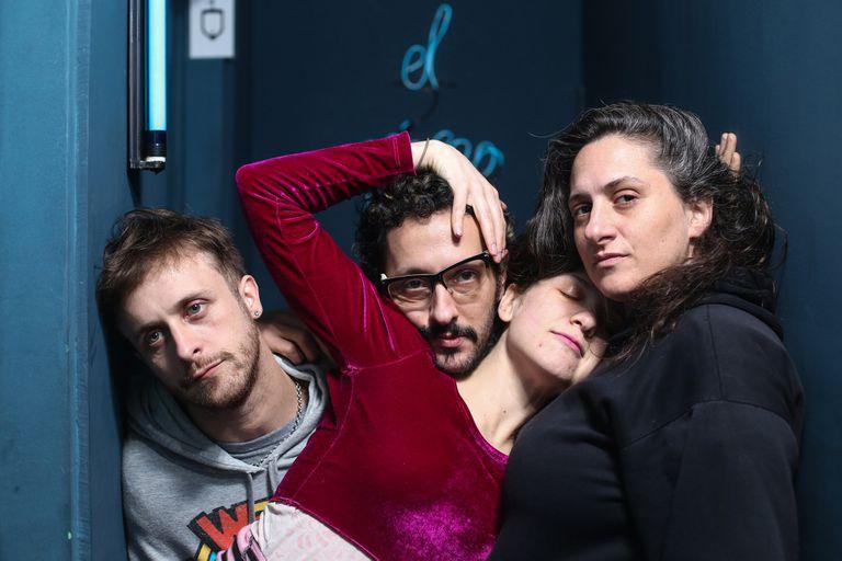 Julián, la Rusa, Santiago y Flor, cuatro músicos en permanente deconstrucción