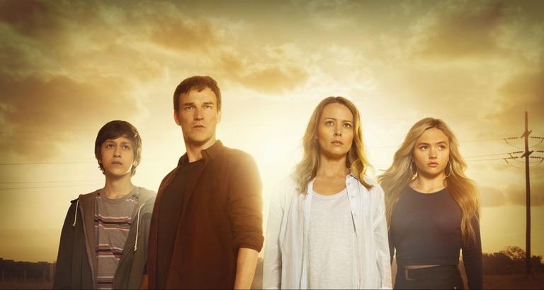 Percy Hynes White, Stephen Moyer, Amy Acker y Natalie Alyn Lind son una familia que se enfrenta a una nueva realidad en The Gifted