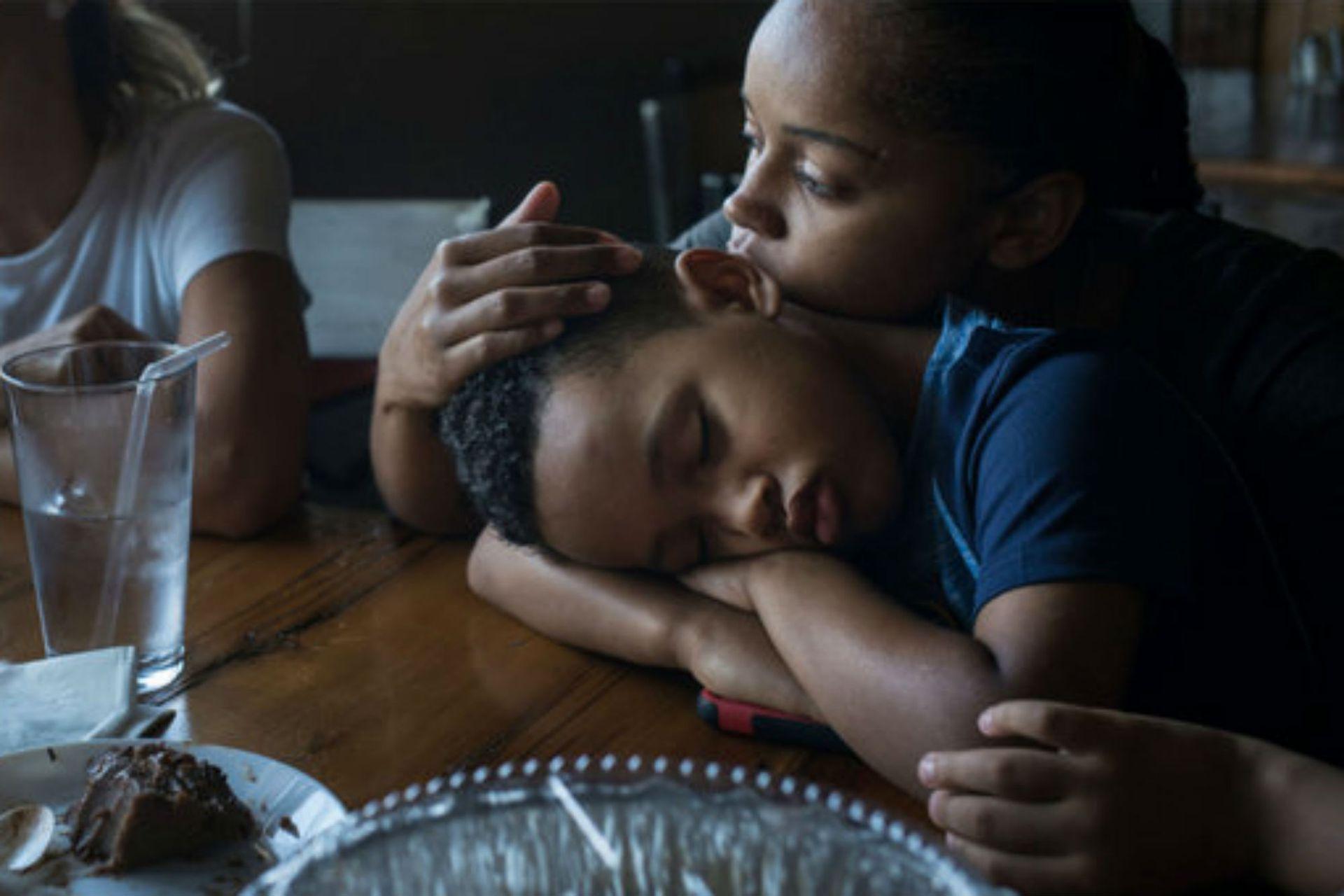 Thiago, con su madre