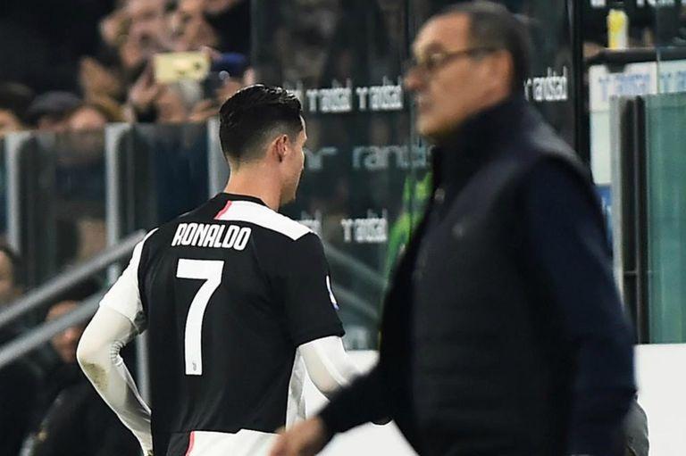 """Ronaldo fue reemplazado por segunda vez consecutiva por """"problemas en la rodilla"""""""