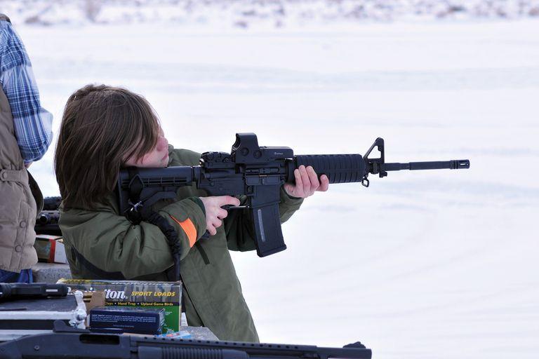 La NRA anima a los padres a exponer a sus hijos de apenas 5 años al uso del AR-15