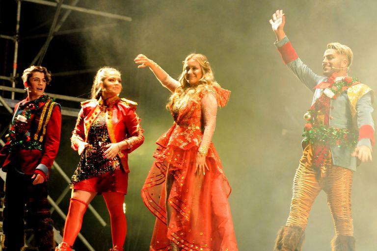 Karina, la Princesita y Flavio Mendoza, en una noche mágica y llena de famosos