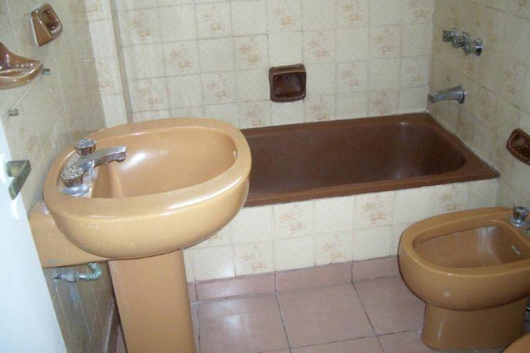 Insólito: el hilo viral con los peores baños de los departamentos en alquiler