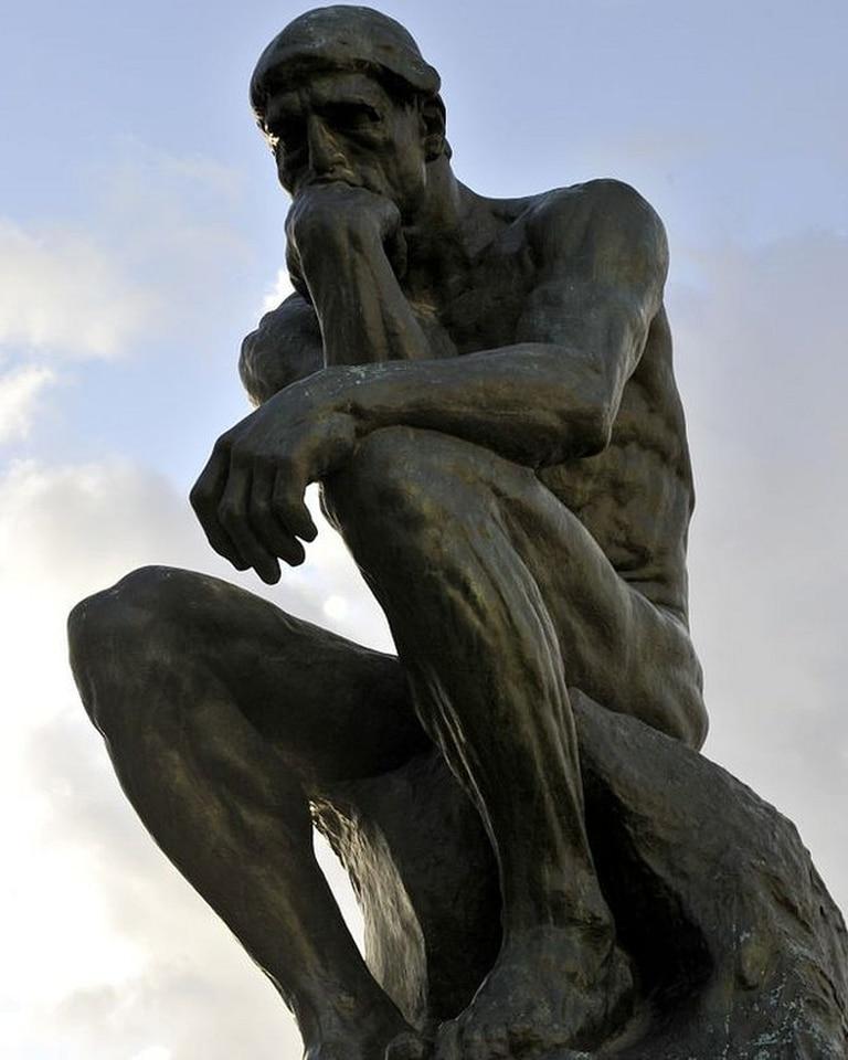 El más bello de los pensadores que por ende existe.
