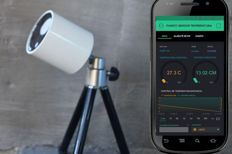 Un prototipo del termómetro infrarrojo que fabricarán en Misiones