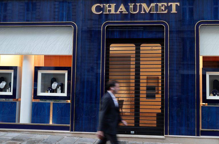 Insólito robo en pleno París: 3 millones de euros en joyas, huida en monopatín y arresto