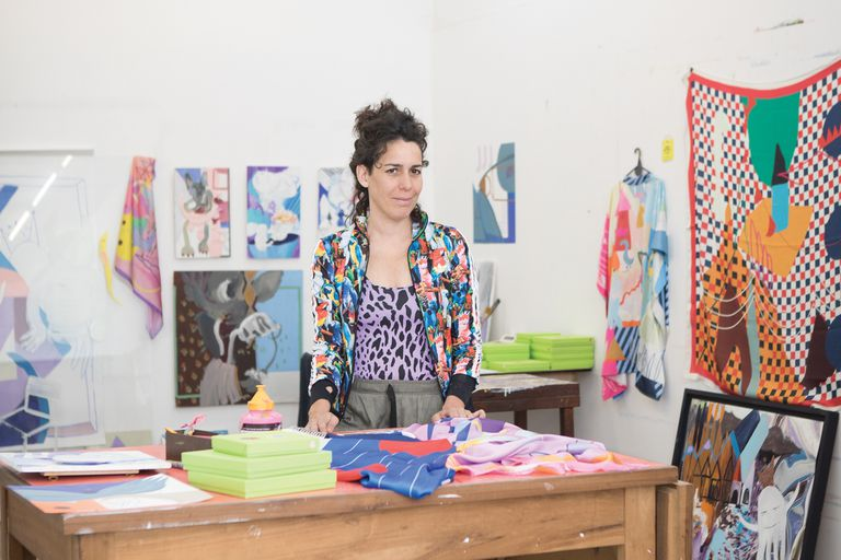 """Es ilustradora y vende """"obras de arte para usar"""""""