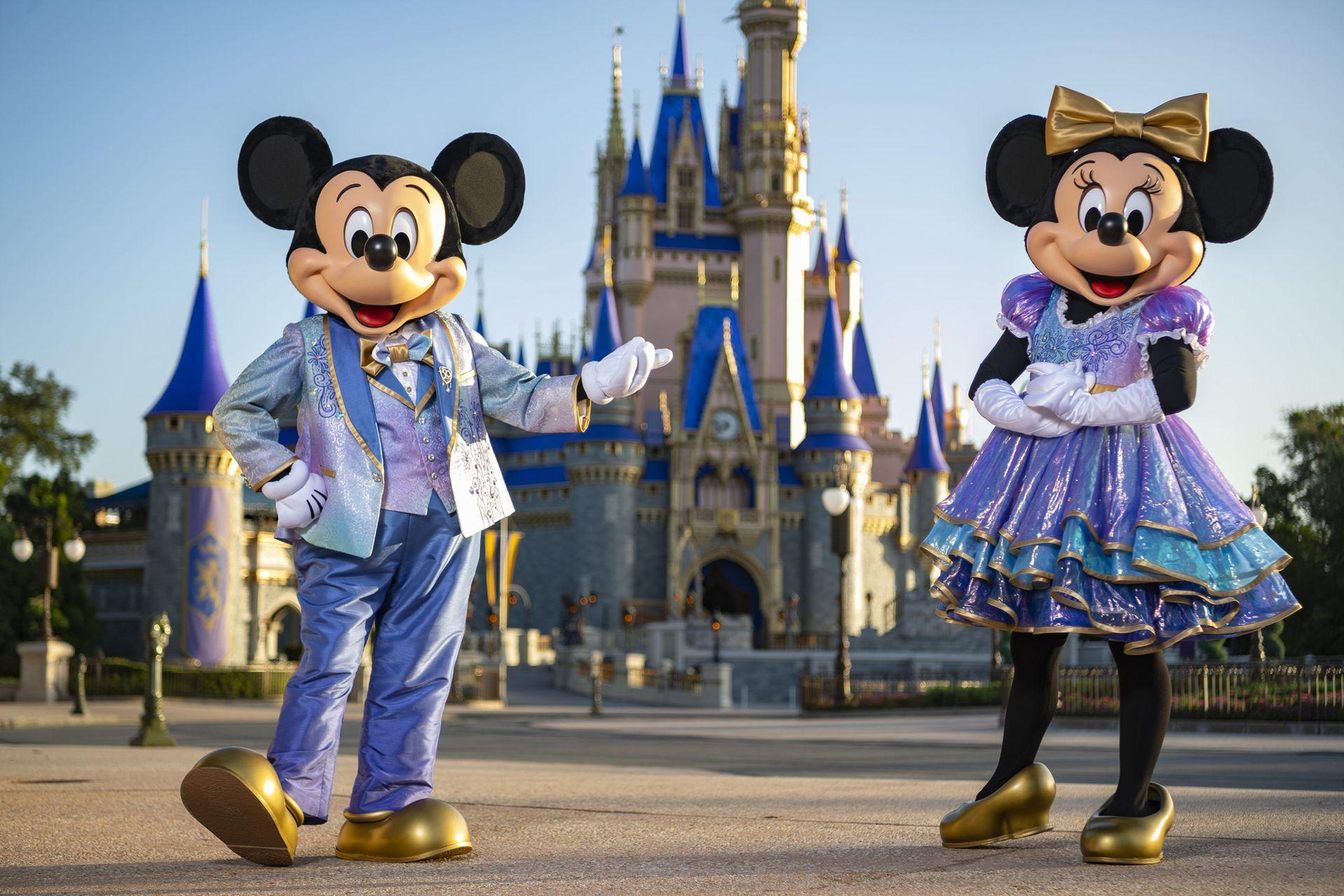 A partir del 1° de octubre comenzarán los festejos por los 50 años de World Disney World. Mickey y Minnie lucirán nuevos trajes