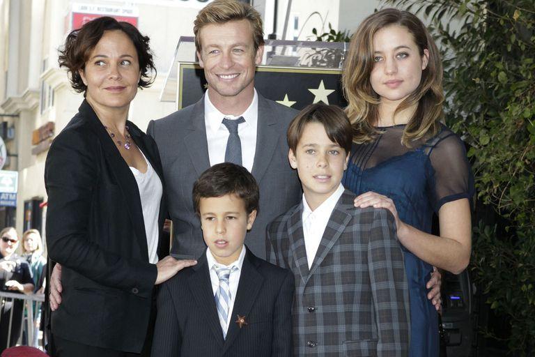 El actor junto a Rebecca Rigg y sus hijos, en el Paseo de la Fama de Hollywood