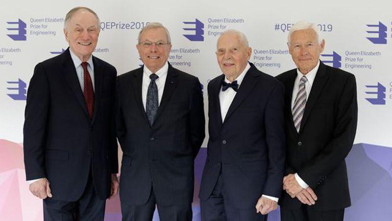 Los pioneros del GPS Richard Schwartz, Brad Parkinson, James Spilker Jr y Hugo Fruehauf recibieron el Premio Queen Elizabeth de Ingeniería