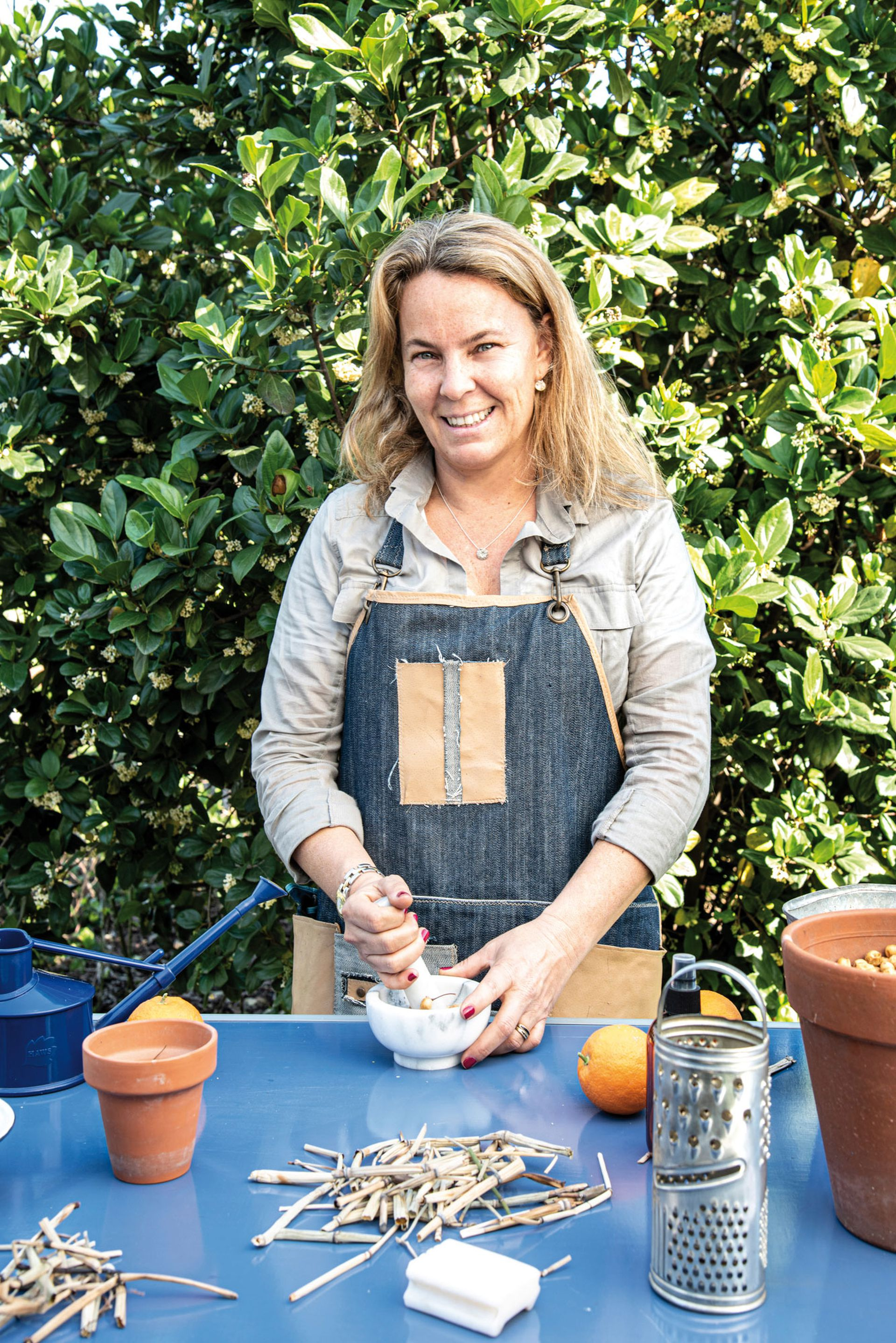 Sofía Diharce, técnica en jardinería y paisajista, es una apasionada del cuidado orgánico del jardín.