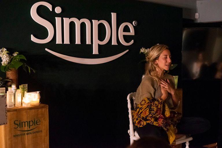 Dafne Schilling lideró una sesión de meditación grupal junto a todas las invitadas