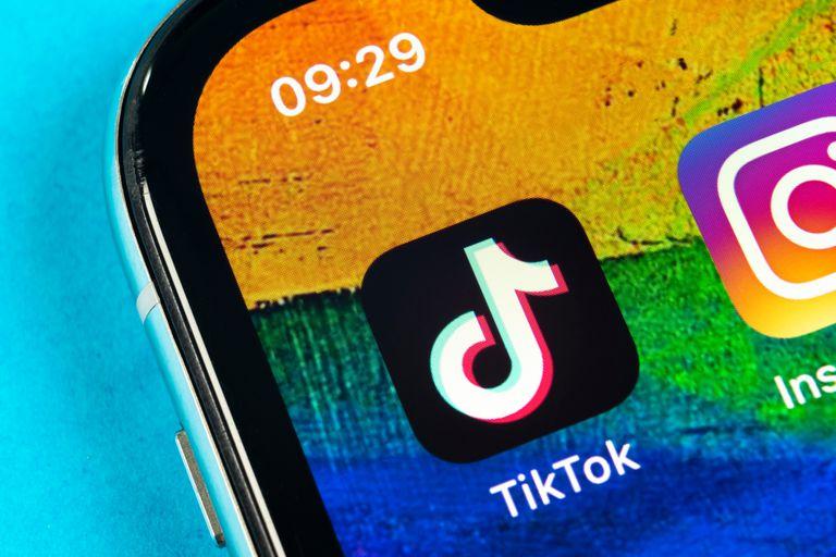 Tiktok tiene cerca de mil millones de usuarios en todo el mundo, aunque ahora suma problemas en India y Estados Unidos por sus lazos con el gobierno chino