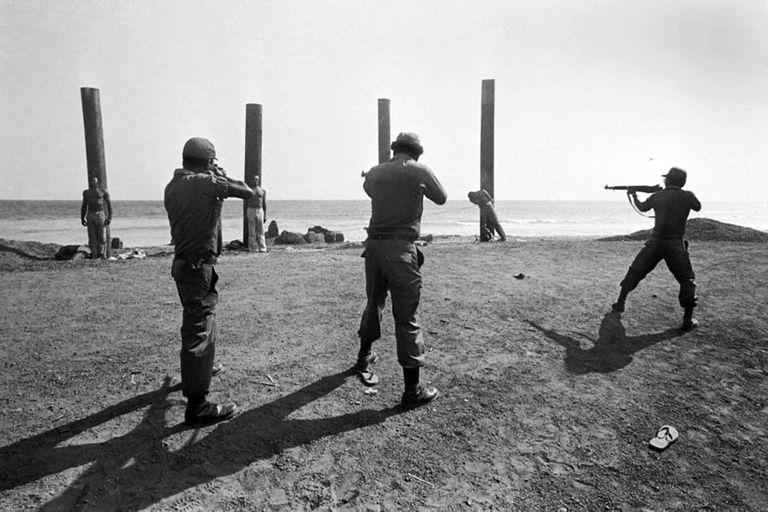 Los ministros del gobierno de Liberia son fusilados en las playas de Monrovia