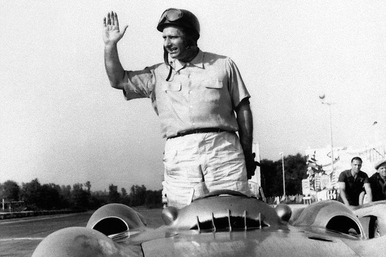 Fangio. A 25 años del adiós a la leyenda que logró cinco coronas en la Fórmula 1