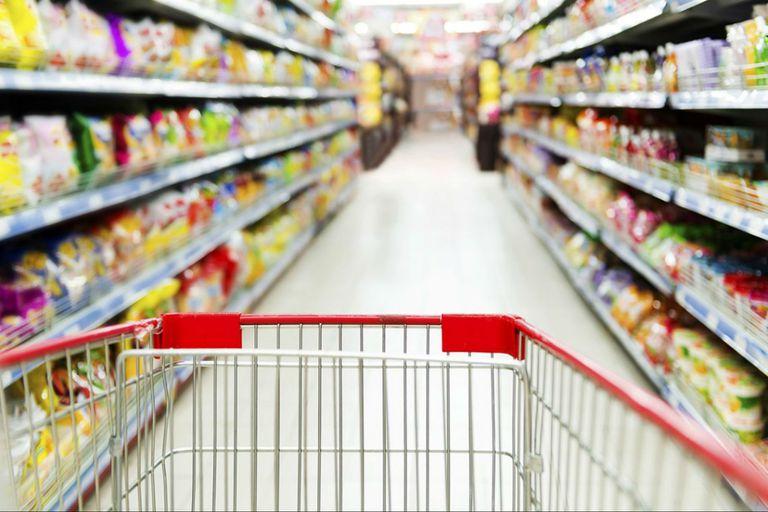 """""""Pindonga"""" y """"Cuchuflito"""". La venta de Productos Esenciales subió 42% en junio"""