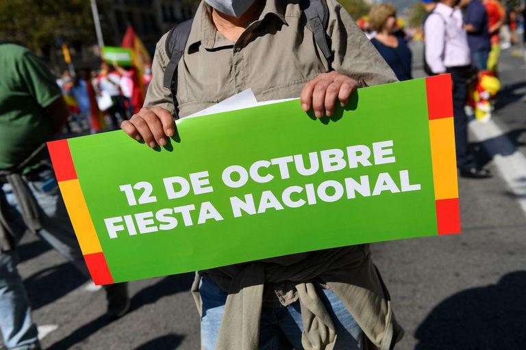 El feriado del 12 de octubre lleva distintos nombres en cada país; en el continente americano tiende a hacer referencia a los pueblos nativos, a modo de reivindicar su existencia previo a la llegada de los colonizadores (Josep LAGO / AFP)