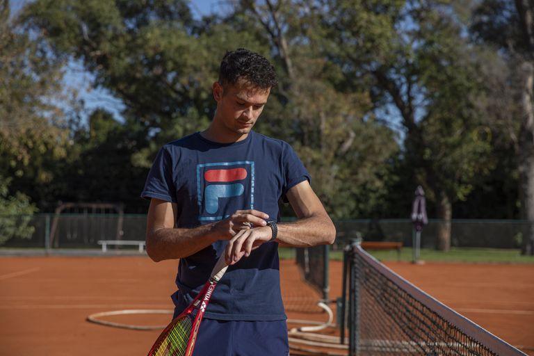 Hasta hace unas semanas, el tenista Juan Pablo Ficovich, luchando con una miocarditis que le dejó el Covid-19, sólo podía entrenarse en forma leve, monitoreando que las pulsaciones no excedieran las 150.