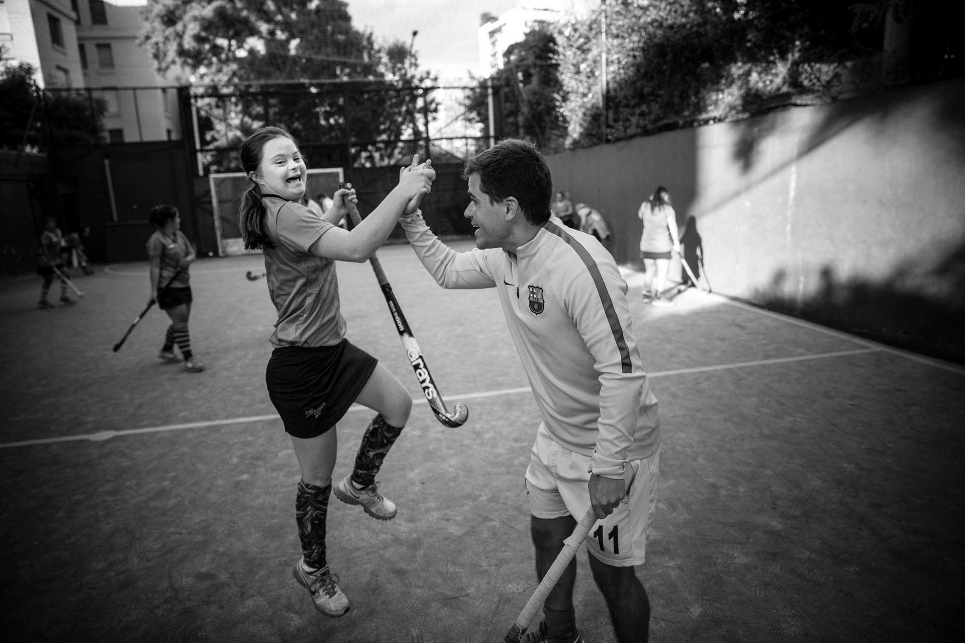 El año pasado, Las Lionas marcaron en punta cuando fueron invitadas por la Federación Panamericana de Hockey a jugar un partido exhibición en los Juegos Olímpicos de la Juventud en Buenos Aires.