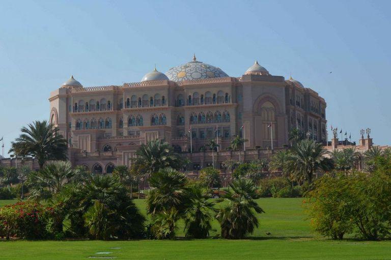El Emirates Palace, otro lugar para visitar en Abu Dhabi